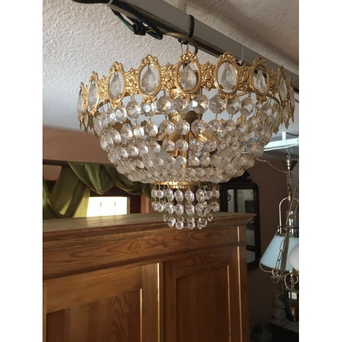 Alte Deckenlampe mit Lüsterbehang