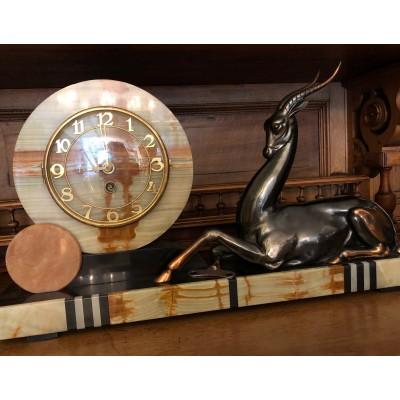 Art Déco Kaminuhr mit Antilope